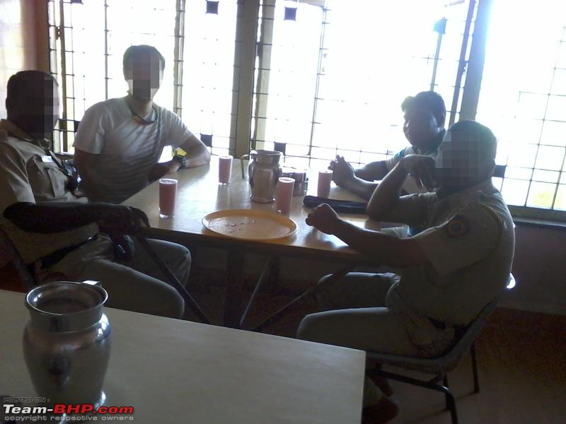 Name:  Lunchwithpolice.jpg Views: 3487 Size:  226.4 KB
