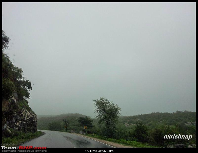 A glimpse of Paradise (Leh): 7300 kms, 8 States in a Linea-foggy-nh8-3.jpg