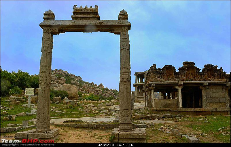 Hampi Visit - A Story crafted in Stones!-hampi-ruins-kings-balance-2.jpg