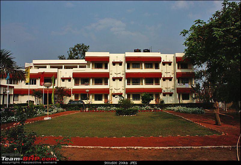 The terracotta temples of Bishnupur-hotel.jpg
