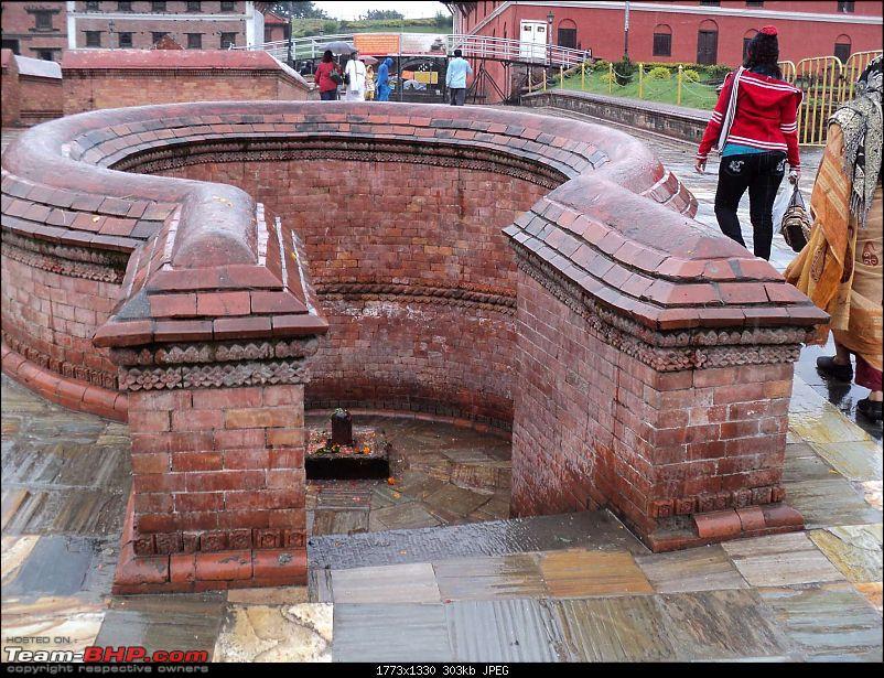 Nepal (Kathmandu and Pokhara) : Dashain, Religion, Phailin and Fun-pashupatinath-1.jpg