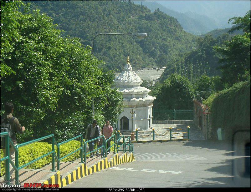 Nepal (Kathmandu and Pokhara) : Dashain, Religion, Phailin and Fun-manakamana-5.jpg