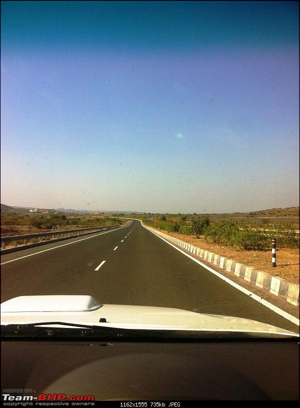 The RANN to Kutch in my Fortuner-hwy2.jpg