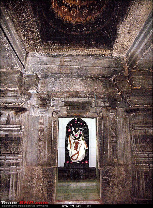 'Xing'ing around ! - An incomplete guide to Hoysala temples ;-)-919.jpg