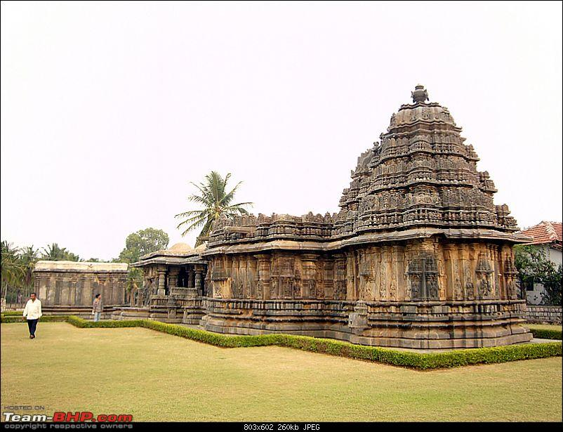 'Xing'ing around ! - An incomplete guide to Hoysala temples ;-)-122.jpg