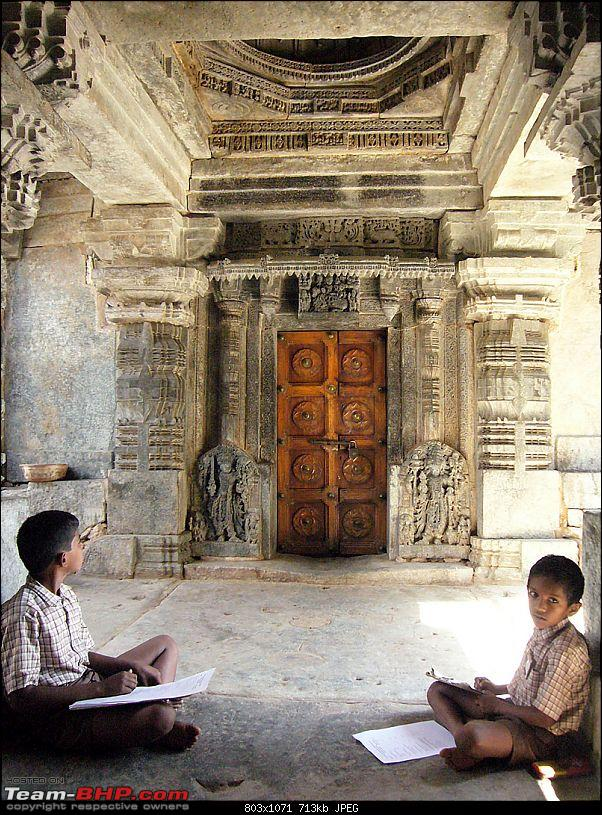 'Xing'ing around ! - An incomplete guide to Hoysala temples ;-)-143.jpg