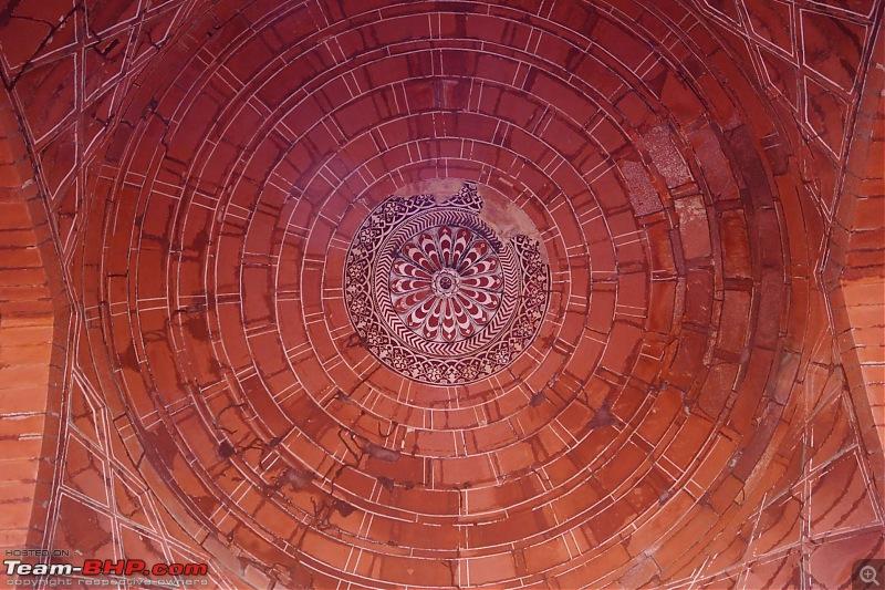 Hawk-On-Fours® (H-4®) Roadtrip: Of Forests (Sariska) & History (Siliserh, Deeg, Agra)-fatehpursikri-25.jpg