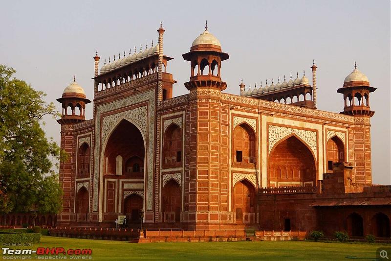 Hawk-On-Fours® (H-4®) Roadtrip: Of Forests (Sariska) & History (Siliserh, Deeg, Agra)-gate.jpg