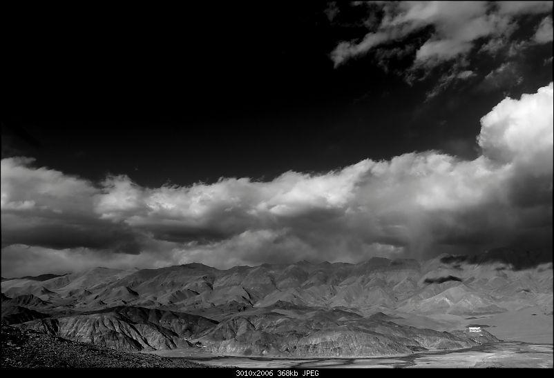 The Northern Expedition - Mumbai to Ladakh-b-w-stills-hanle.jpg