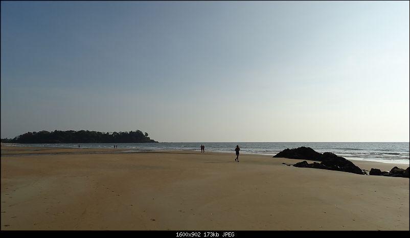 Lazing around on a beach in Goa-dsc00484.jpg