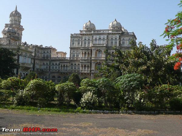 Name:  03_royal_palace_web.jpg Views: 9292 Size:  85.5 KB