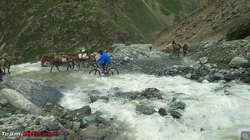 Manali to Khardung La on a Cycle!-32.jpg