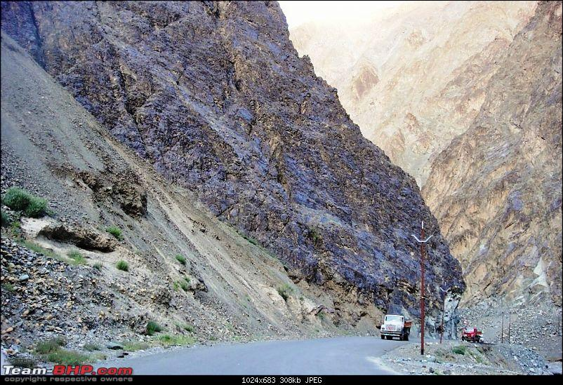 Sailed through the high passes in Hatchbacks, SUVs & a Sedan - Our Ladakh chapter from Kolkata-d6.30.jpg