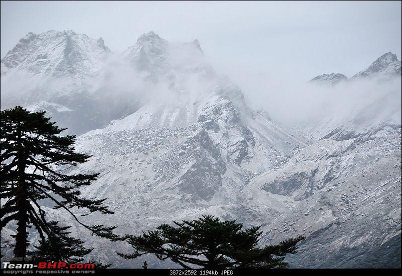 In the abode of the Himalayas - Hiking 4000 meters up to Dzongri-mountainviews5_01.jpg