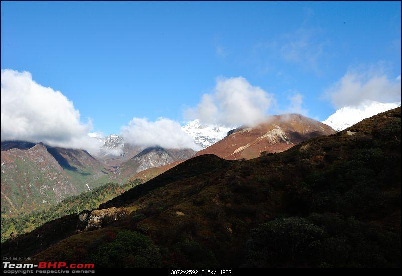 In the abode of the Himalayas - Hiking 4000 meters up to Dzongri-vistas_01.jpg