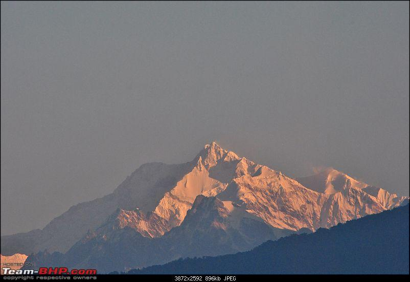 In the abode of the Himalayas - Hiking 4000 meters up to Dzongri-sunrisekcj_01.jpg