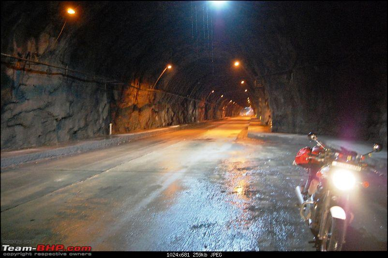 Road Trip: Triumph Bonneville gets Ju-Leh'd!-tunnel.jpg