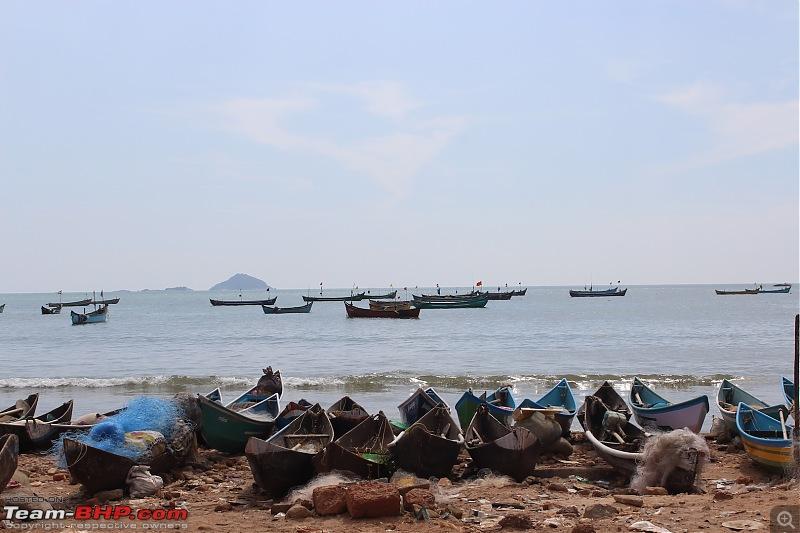 Solo 2000 km road-trip in my Jazz: Mumbai- Gokarna- Maravanthe- Jog Falls- Murudeshwar- Dandeli- Goa-murudeshwar-boats.jpg