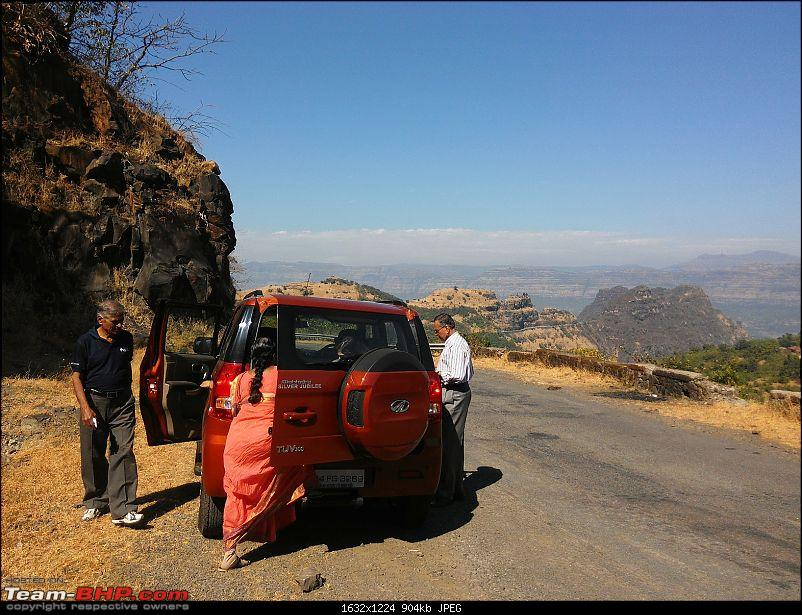 With my TUV300 to Sinhagad Fort, Balaji Temple, Narayanpur & Shivthar Ghal-26everyones-getting-gearing-go-next-stop.jpg