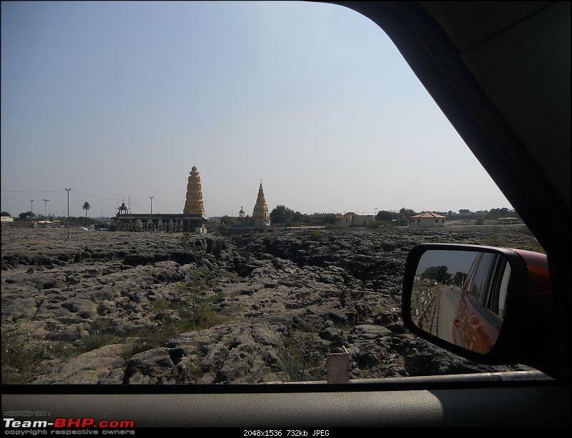 With my TUV300 to Sinhagad Fort, Balaji Temple, Narayanpur & Shivthar Ghal-10the-twin-temples.jpg
