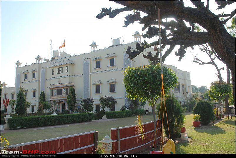 Exploring Royal Rajasthan in a 4WD Bolero (The White Tusker)-dsc_5186.jpg