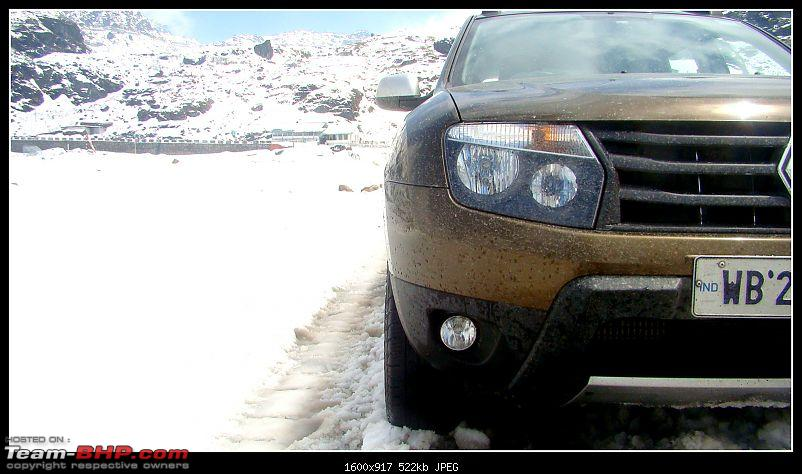 White Sikkim in a Duster AWD-tooilet-2.jpg