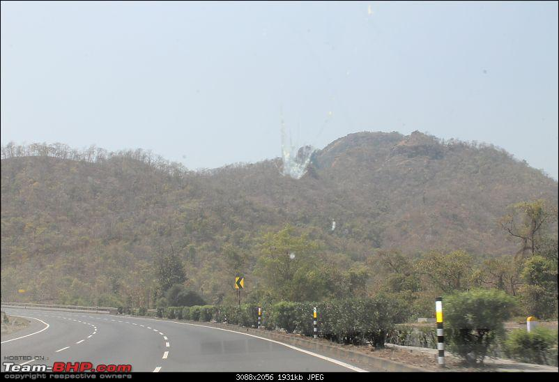 Burning up the road - Ahmedabad to Goa-road-2.jpg