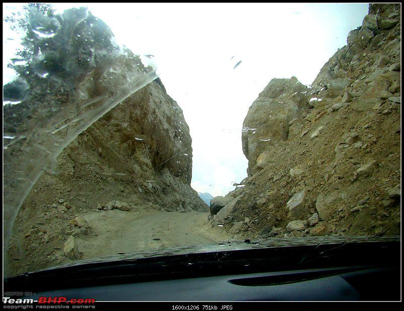Kolkata to Ladakh & Siachen in a Duster AWD-narrow-passage.jpg