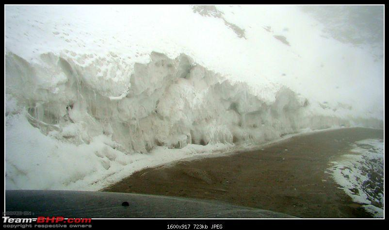 Kolkata to Ladakh & Siachen in a Duster AWD-heavy-snow.jpg