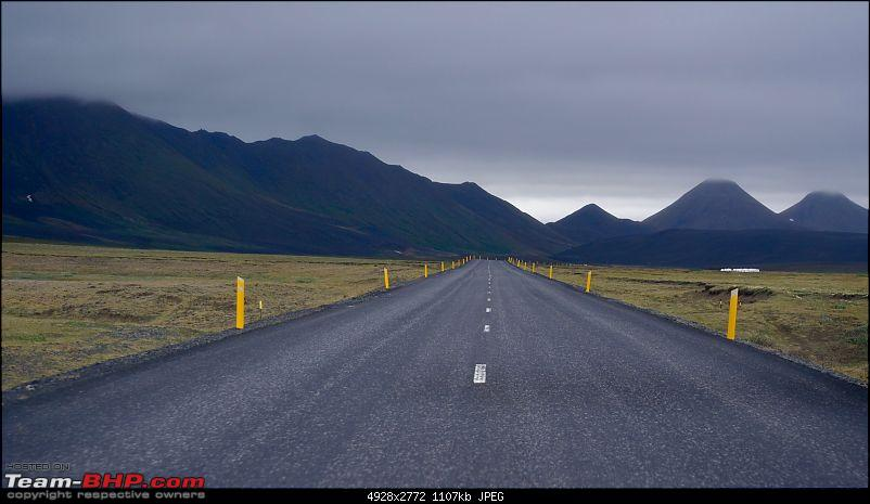A Roadtrip in Iceland - 66°N-road_5.jpg