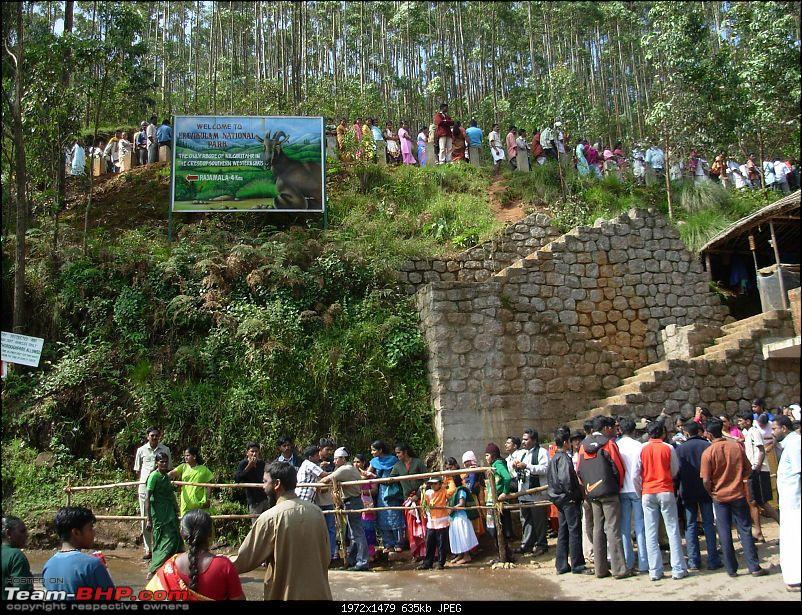 Civved : Kodaikanal, Munnar-queue.jpg