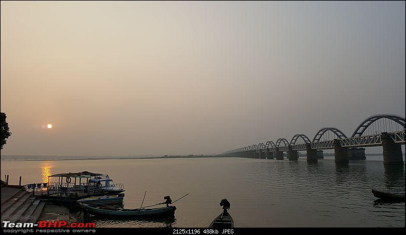 3,422 km round-trip to Orissa along the south-east coast-10_5_godaravibridgesunset.jpg
