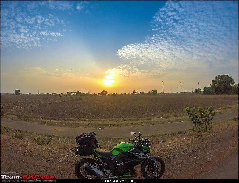Chennai - Goa on a Kawasaki Z250-gopro-morning-side-view-2.jpg