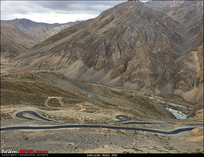 Every driving enthusiast's dream - Group of XUV500s getting Leh'ed!-gataloops.jpg