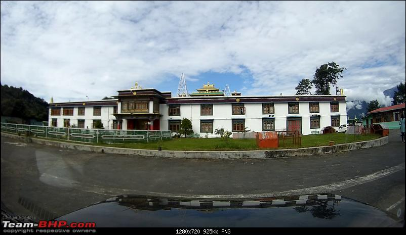 Watching the sky from another sky - West & South Sikkim-vlcsnap2017092914h07m15s360.png