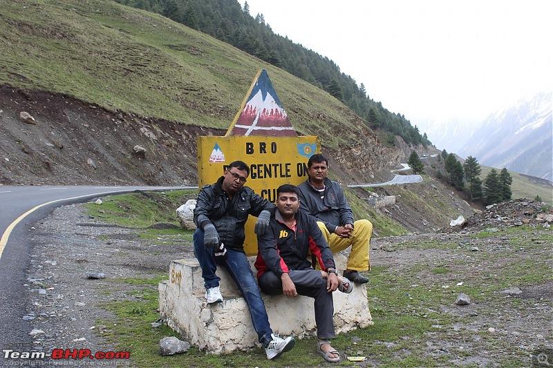 Ladakh: Four Idiots & One XUV500-89.jpg