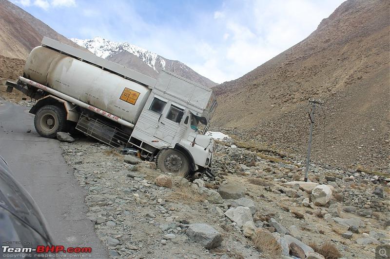 Ladakh: Four Idiots & One XUV500-280.jpg