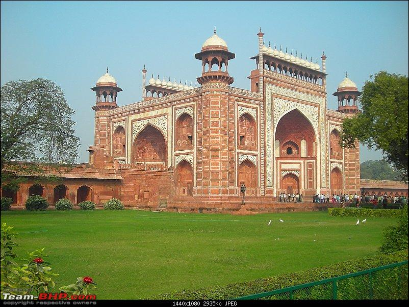 Agra, Fatehpur Sikri & Jhansi in a Maruti 800-r4.jpg