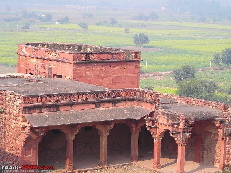 Agra, Fatehpur Sikri & Jhansi in a Maruti 800-r6.jpg
