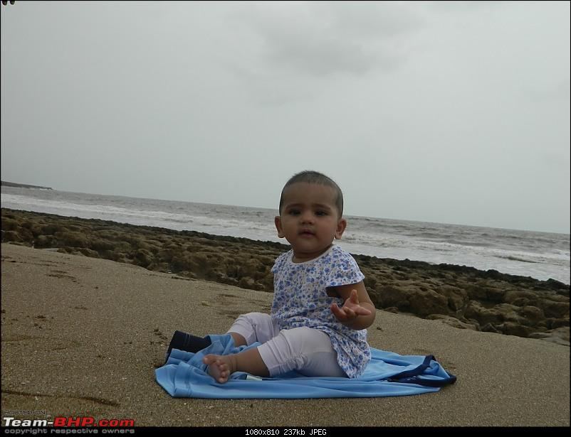 A 6-month old's first encounter with the sea : Diu-ts11.jpg