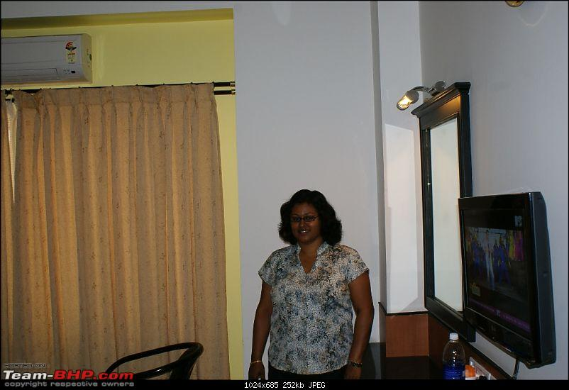 An incredible road trip to Velankanni, Kodaikanal and Ooty-my-dear-happy-wifey-our-room-shrie-shanth-hotel.jpg