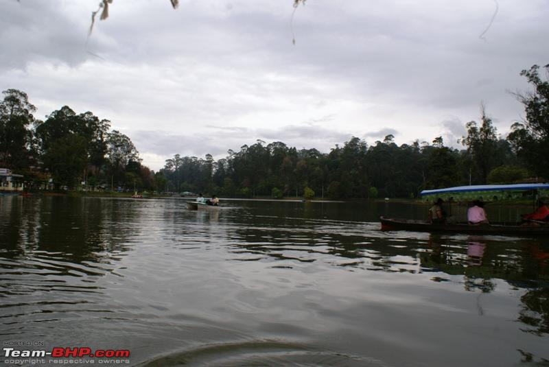 Name:  a Kodai Lake_Shikara and a pedal boat.JPG