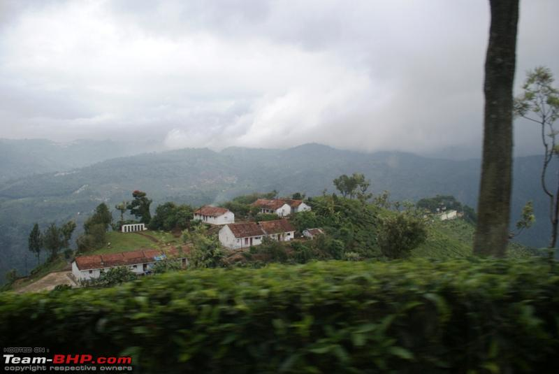 Name:  d Way back to Coonoor_houses in the valley.JPG