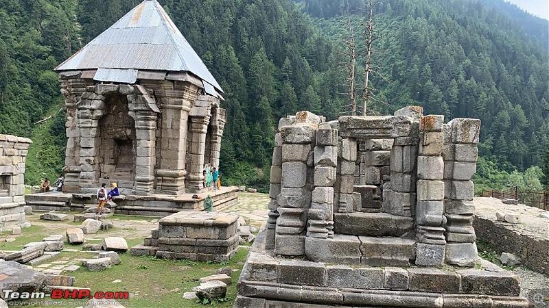 When I met Kashmir-ruins-4.jpg