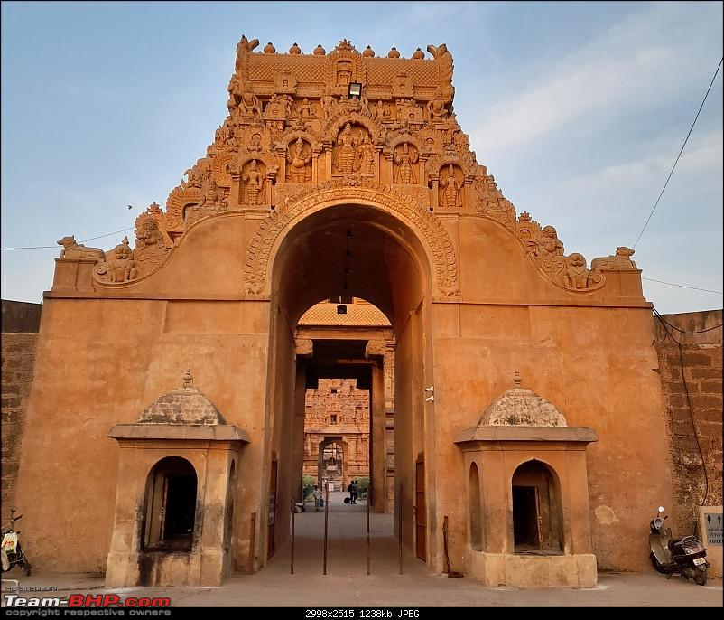 Baloo & I: Reset at an Ashram, and drive into the glorious past of the Chola empire-part3-pic13-arch-without-pencil-line.jpg