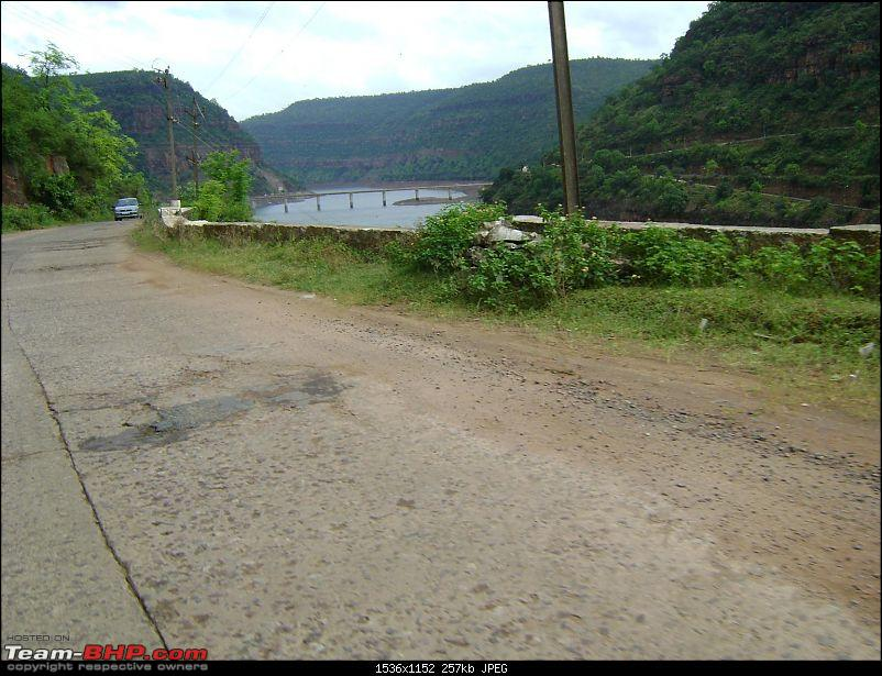 Srisailam, the forest and hills surrounding and the Tungabhadra : A cherished trip-srisailam_hills-2.jpg