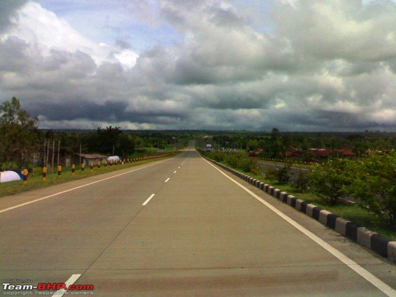 Name:  Expressway to Bangalore_pic taken near Hubli.jpg