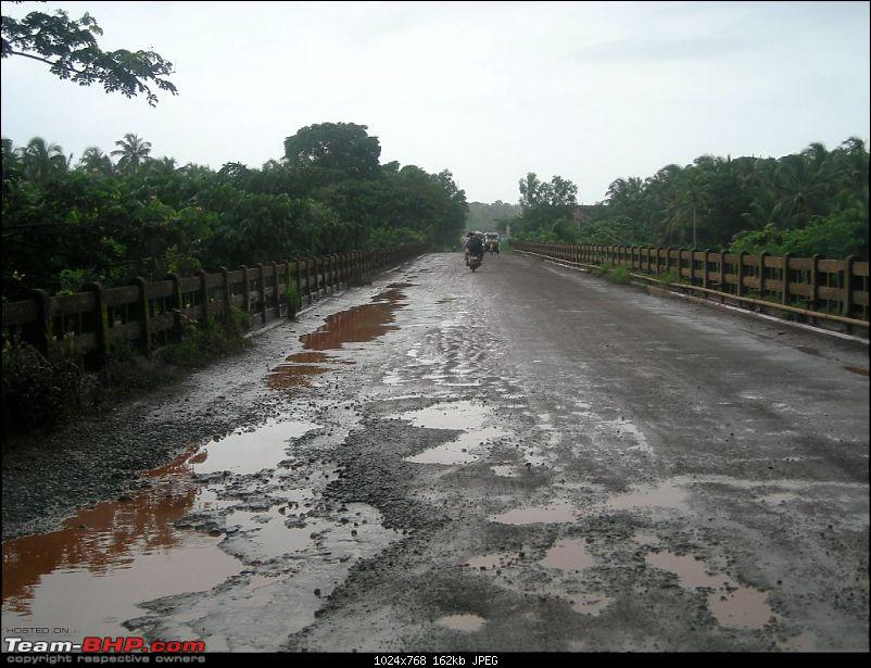 An Incredible Road trip from Pune to Kerala! - Revisited the second time!-d-kerala-border.jpg