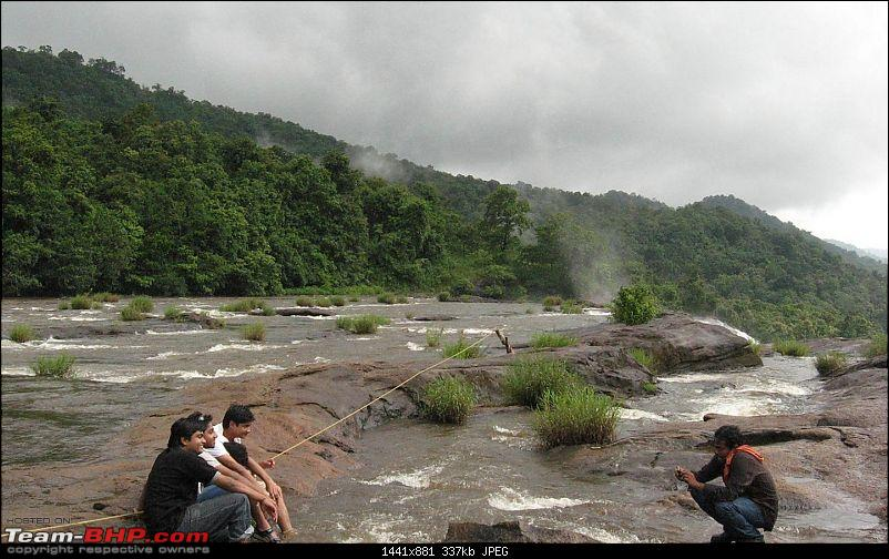 Bangalore to Injiparai (Heaven on Earth), ~450 kms via NH 209-valparai_drive_10.jpg