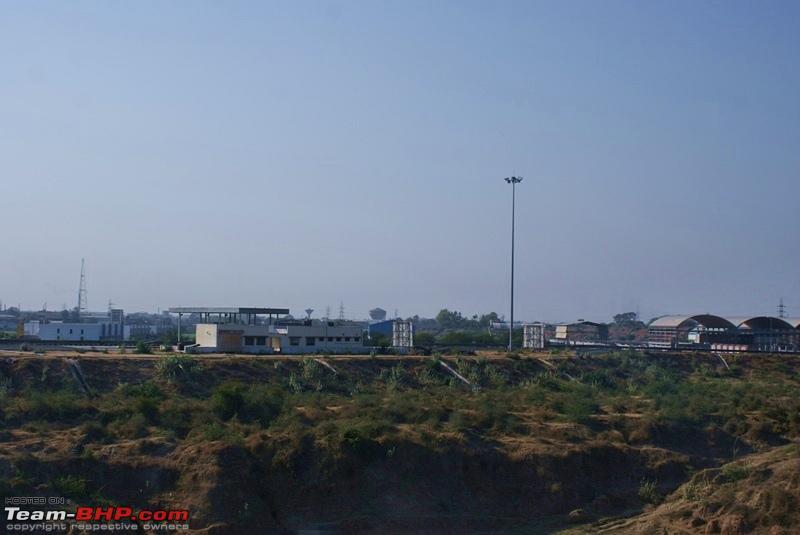 Name:  Road to Udaipur  01.JPG Views: 1733 Size:  108.4 KB